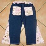 Jeansschlaghose von hinten